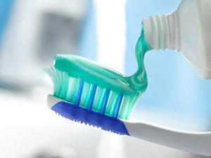 هفت ماده طبیعی در خمیر دندان غیر فلوراید