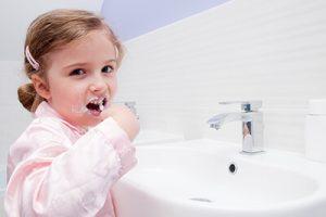 نکاتی برای صرفه جویی در مصرف آب هنگام مسواک زدن