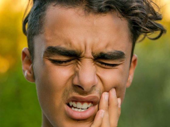 9 علت درد در استخوان گونه و دندان