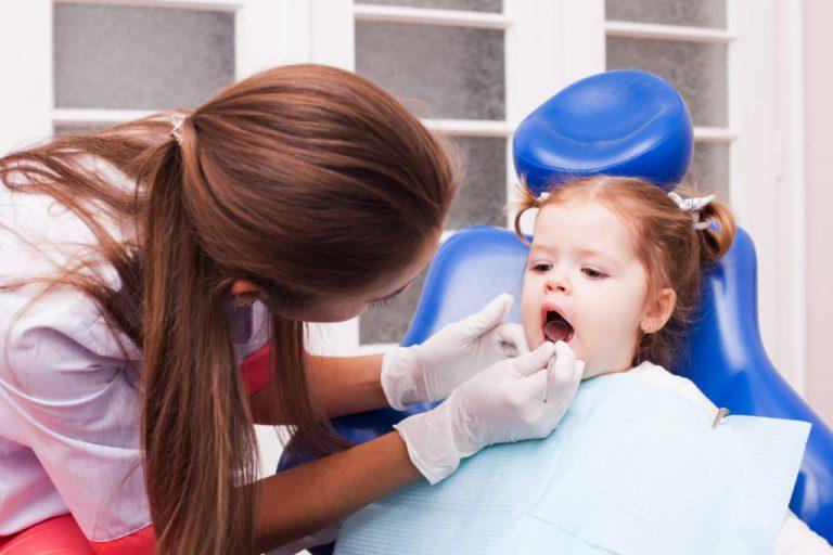 درمان پوسیدگی دندان در کودک نوپا و راه های پیشگیری